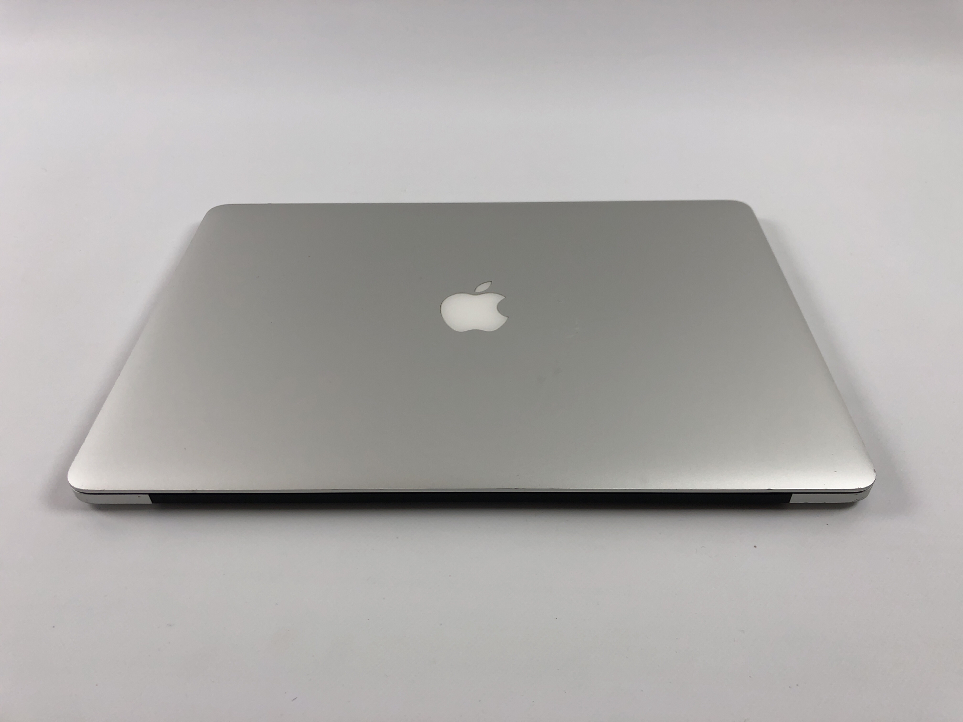 "MacBook Pro Retina 15"" Mid 2015 (Intel Quad-Core i7 2.2 GHz 16 GB RAM 256 GB SSD), Intel Quad-Core i7 2.2 GHz, 16 GB RAM, 256 GB SSD, Bild 3"