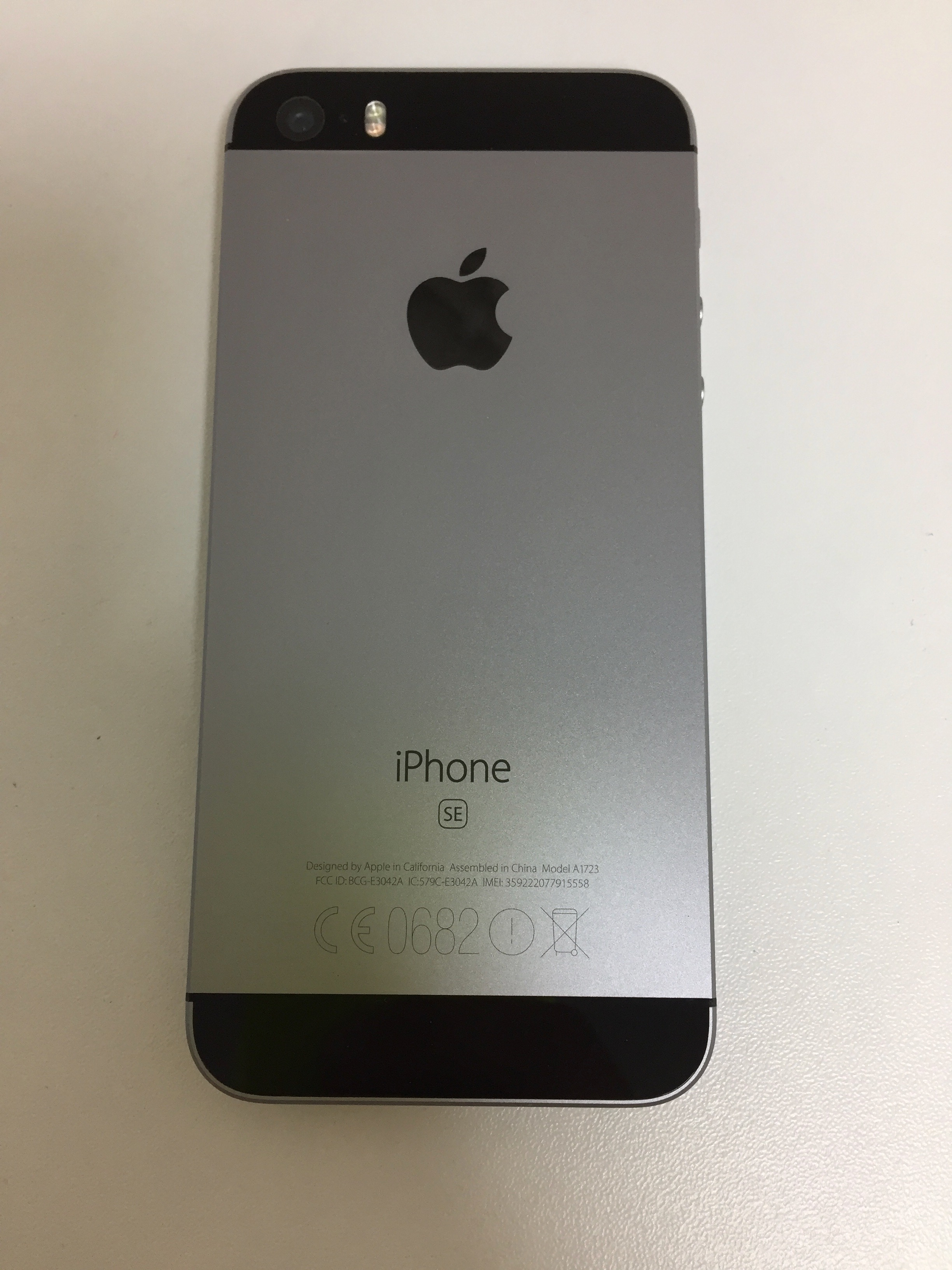 iPhone SE 16GB, 16 GB, Space Grau, Bild 2