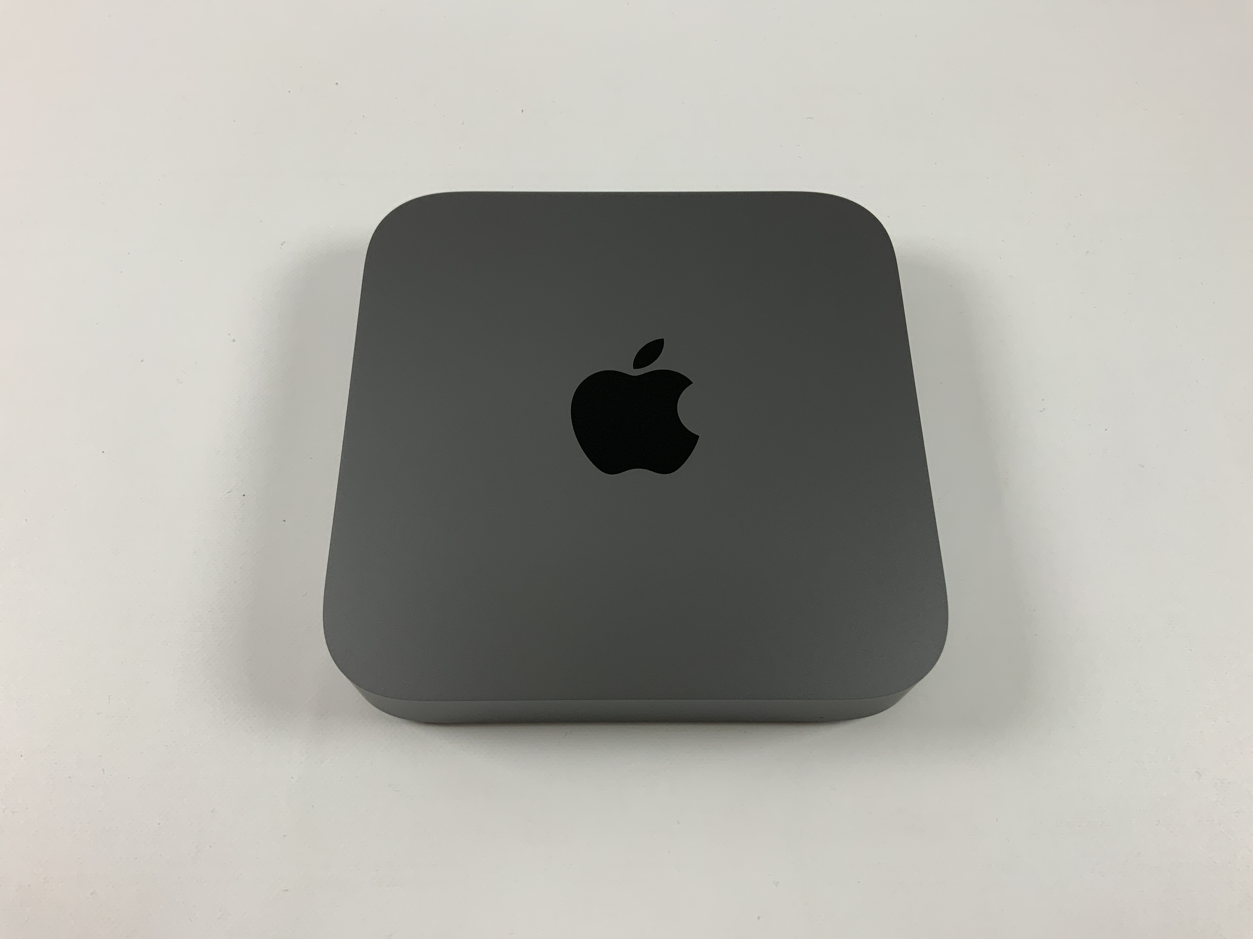 Mac Mini Late 2018 (Intel 6-Core i5 3.0 GHz 8 GB RAM 256 GB SSD), Intel 6-Core i5 3.0 GHz, 8 GB RAM, 256 GB SSD, image 1