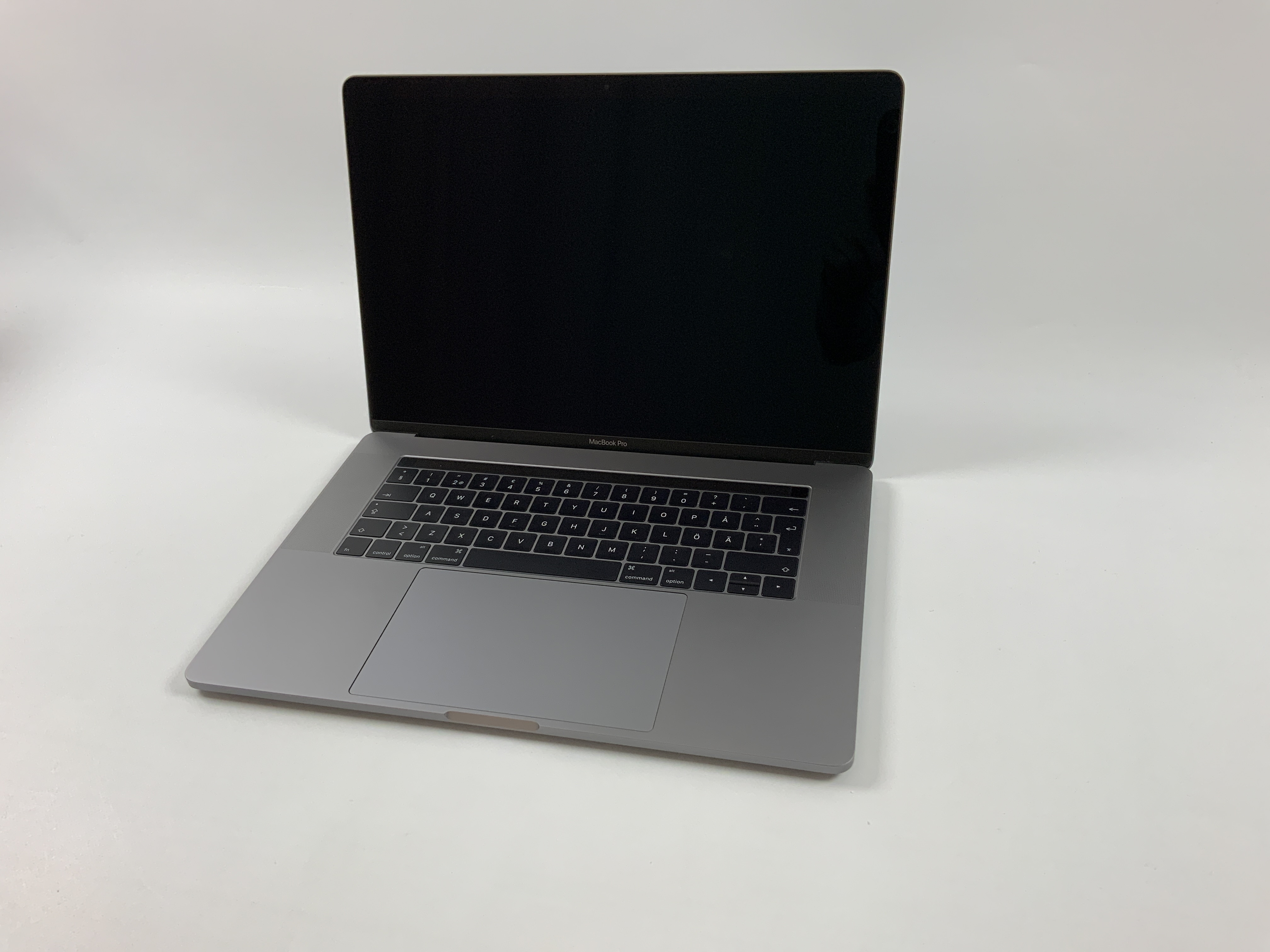 "MacBook Pro 15"" Touch Bar Late 2016 (Intel Quad-Core i7 2.6 GHz 16 GB RAM 512 GB SSD), Space Gray, Intel Quad-Core i7 2.6 GHz, 16 GB RAM, 512 GB SSD, image 1"