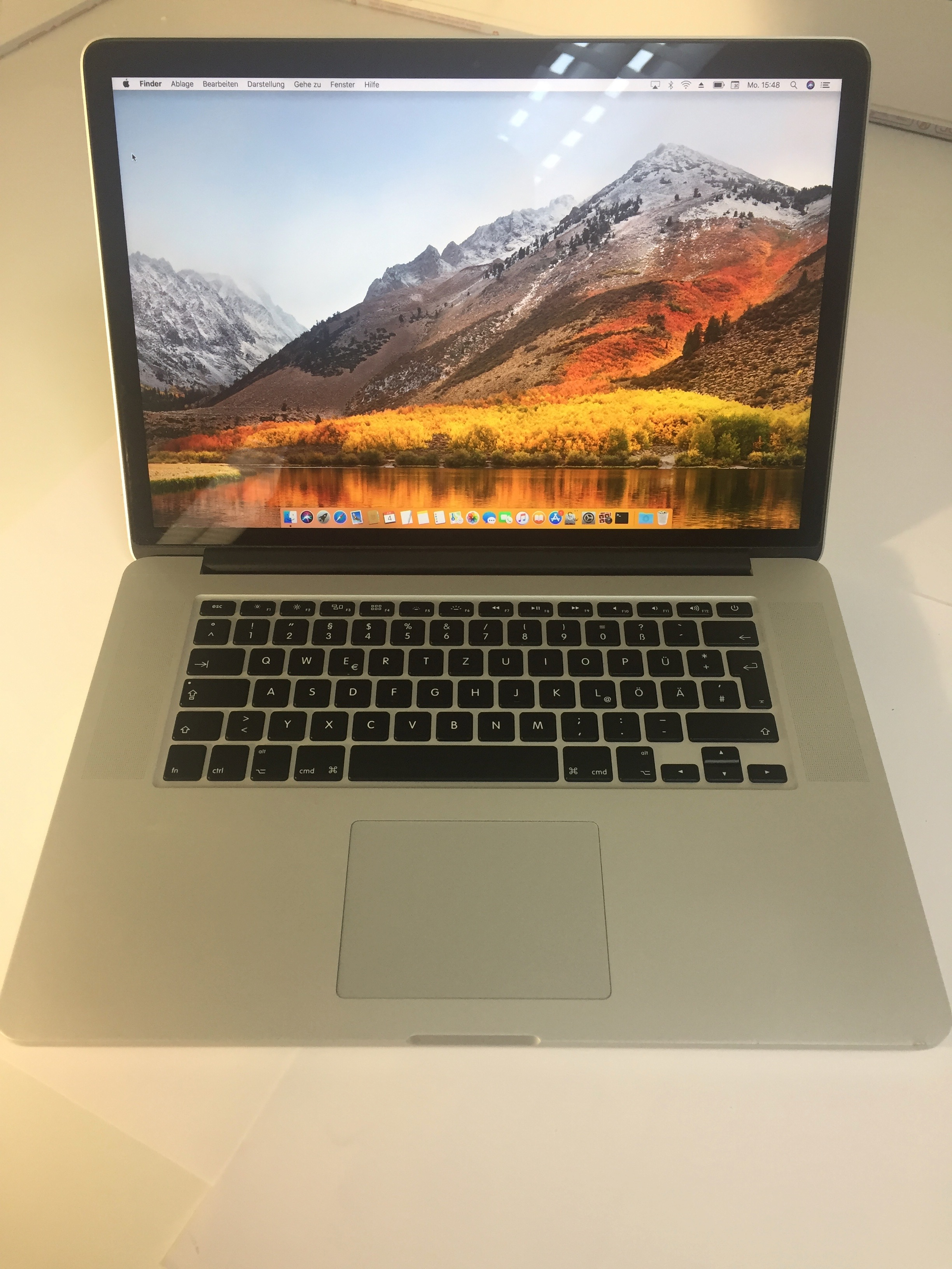 MacBook Pro 15-inch Retina, 2.0 GHz Intel Core i7, 16 GB , 256 GB Flash, Bild 1